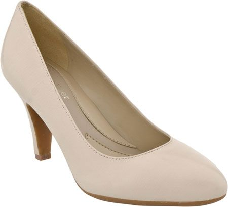 Naturalizer Clava in Vanilla Cream Leather from PlanetShoes.com