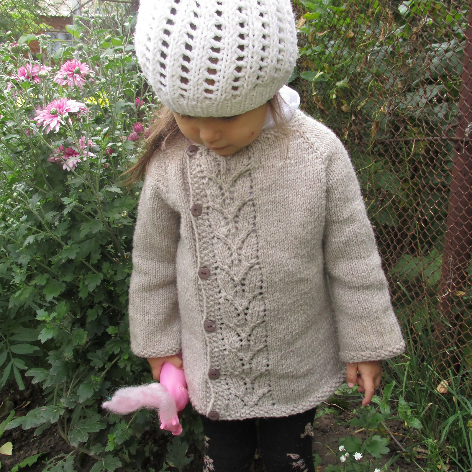 dc0361937 Ravelry  Leaf Love Baby Sweater by Taiga Hilliard Designs