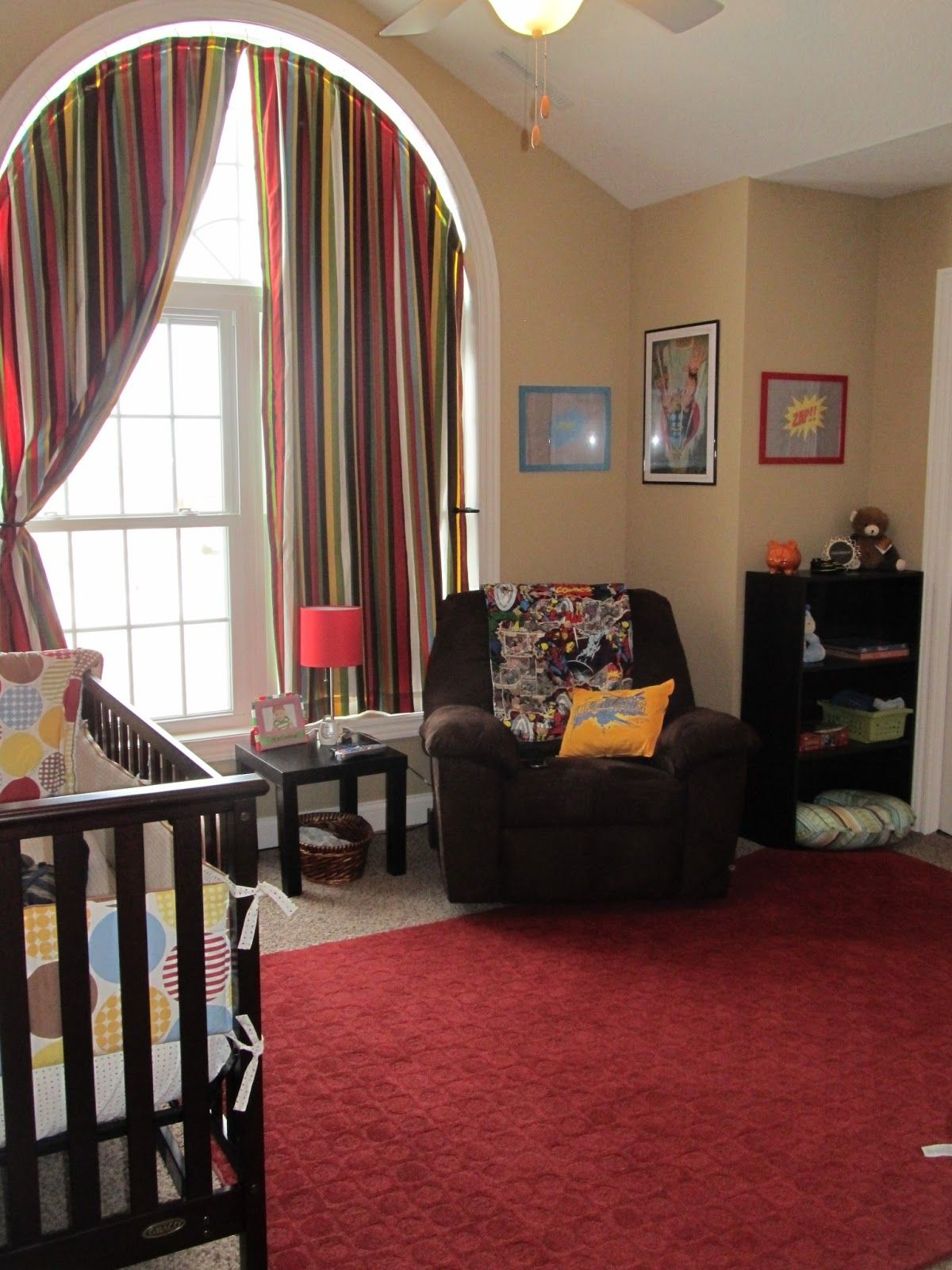 I pinned this picture of Gavin's room to Pinterest a while back ...