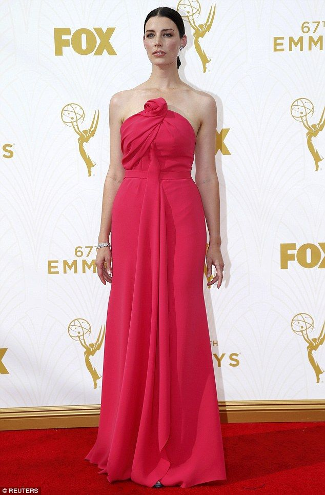 6d64e37c5 Mad Men star Jessica Pare displays her slim figure on Emmys red ...
