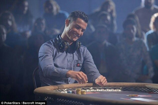 Cristiano Ronaldo plays poker against Breaking Bad star Aaron Paul to win £15,000 for charity