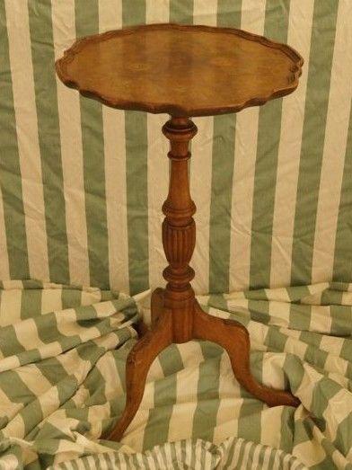 Beistelltisch, Lampentisch, Kleinmöbel, Nussbaumwurzel, um 1870