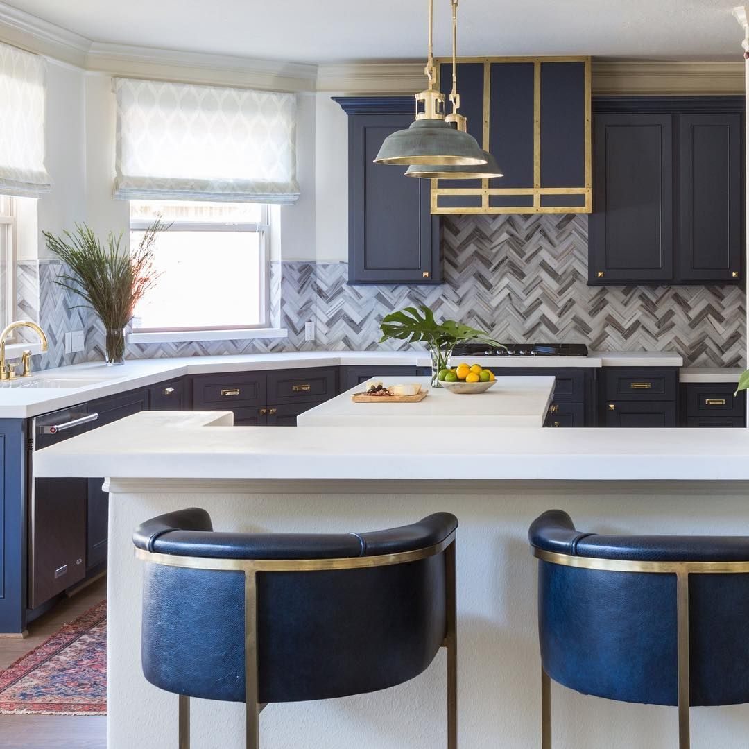 Feeling Honored To Be On Houzz Sharing A Few Designer Deets About The Best Bar Stool Styles For Every Kitchen Furnishings Cool Bar Stools Kitchen Refinishing