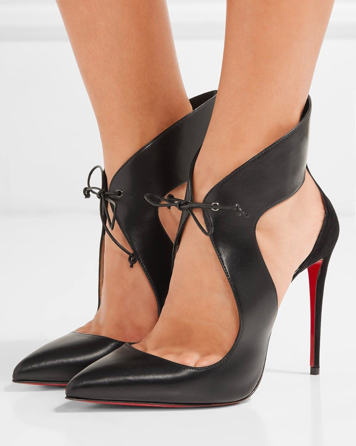 245cdb19e929 CHRISTIAN LOUBOUTIN Ferme Rouge cutout leather and suede pumps
