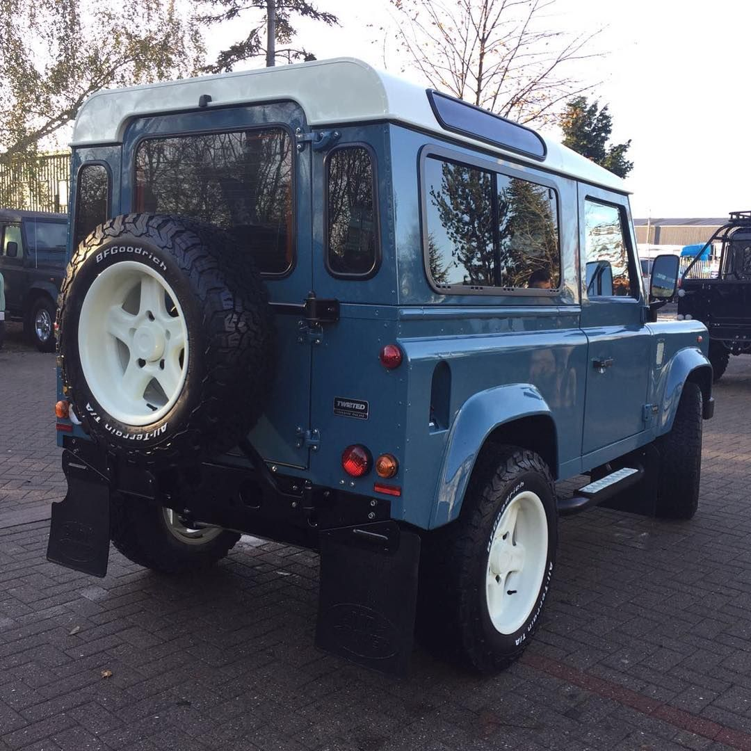 This Marine Blue paintwork is truly stunning!  #TwistedDefender #LandRover #Yorkshire #Defender #LandRoverDefender #Automotive #Handcrafted #Handmade #Style #Lifestyle #4x4 #AntiOrdinary #DefenderRedefined #Redefined