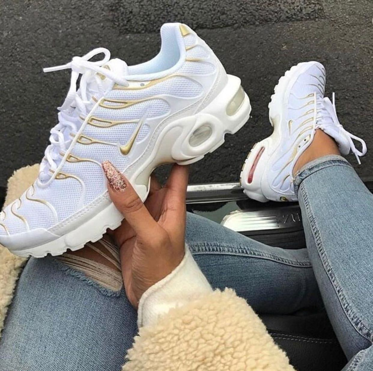 a9b37fc340fee Pinterest: @RareForeign •†   Fire Feet in 2019   Shoe boots, Shoes ...