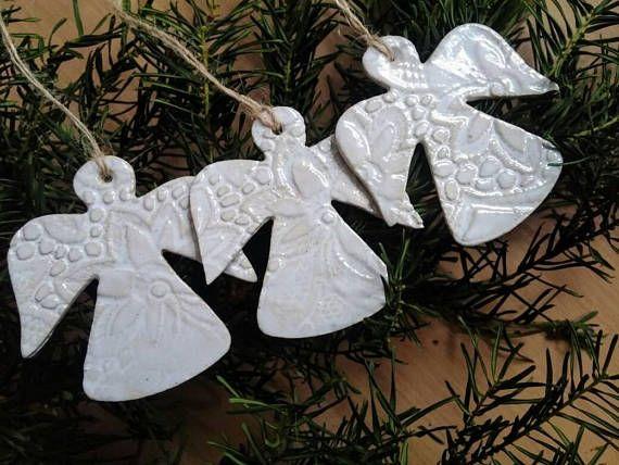 Aus Was Besteht Keramik dieses weihnachtsbaum set besteht aus 3 keramik die