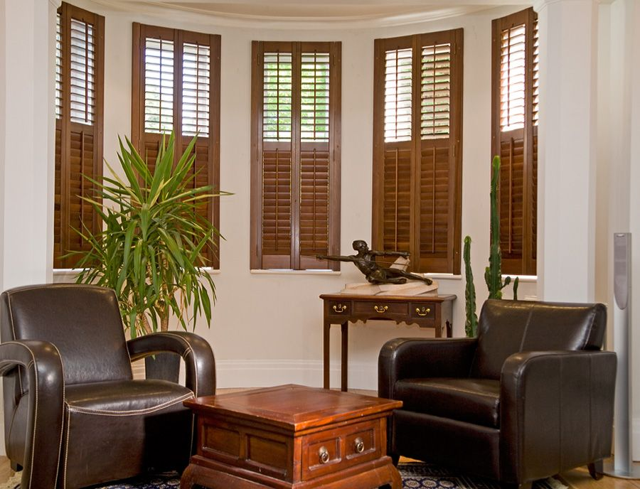 Decorate with indoor window shutters dpicking doors for Decorating with plantation shutters