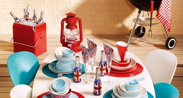 British-themed party