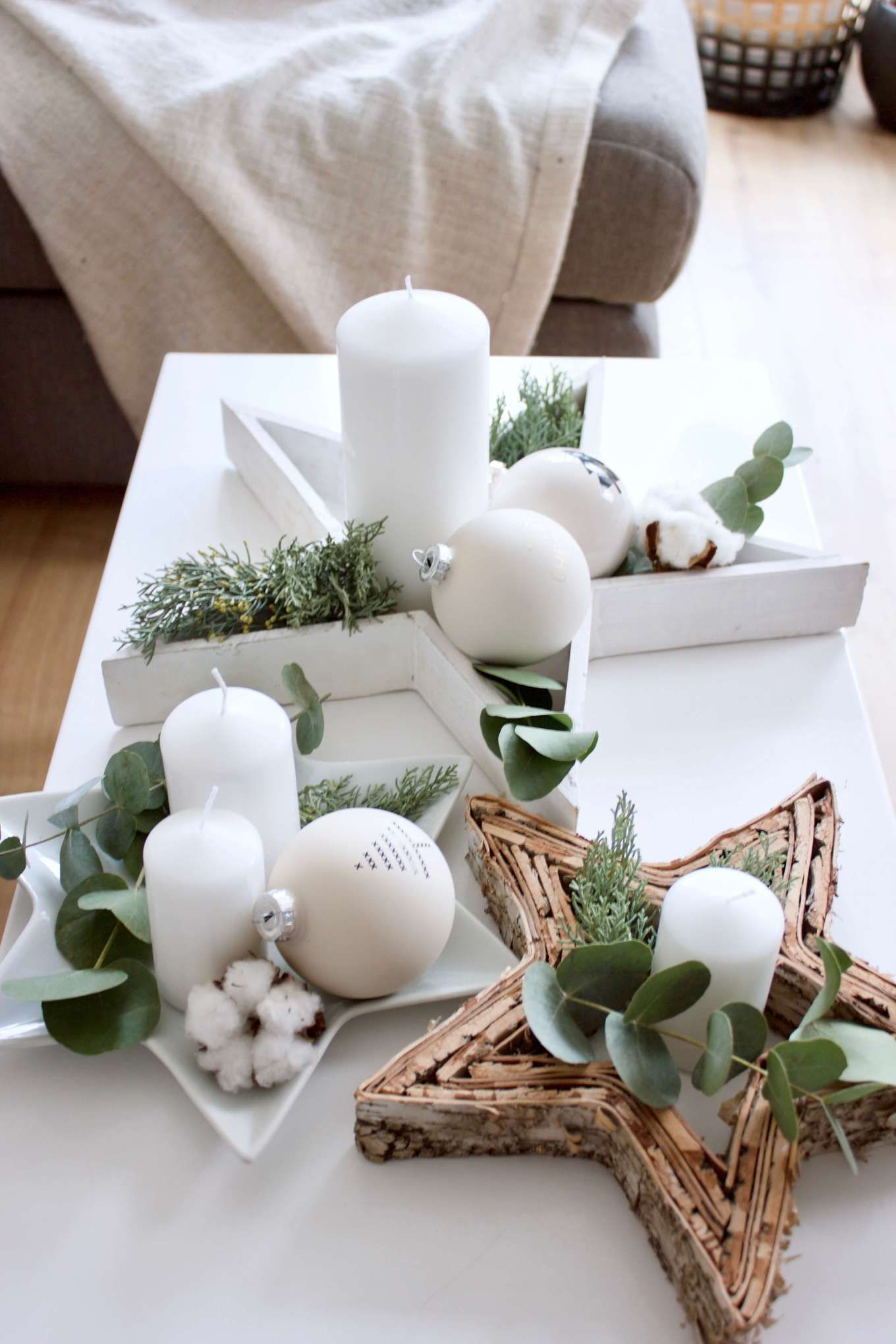 Außergewöhnliche Adventskränze sind dein Ding? ° Idee für eine Adventskranz-Deko mit Eukalyptus #thanksgivingdecorations