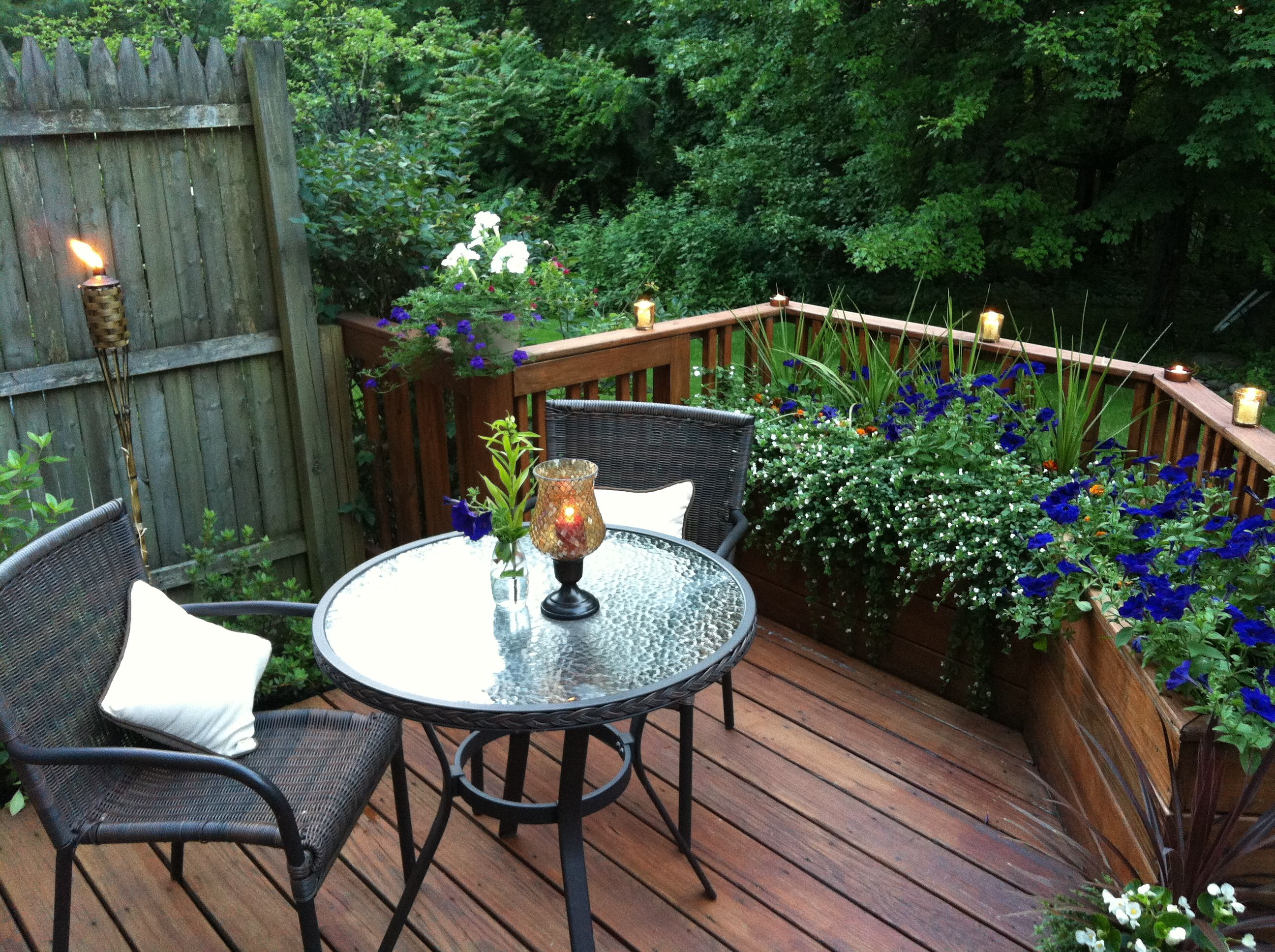 bistro area on the deck small backyard landscaping on modern deck patio ideas for backyard design and decoration ideas id=40413