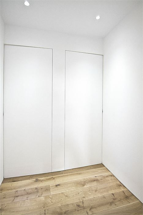 Invisible doors - gallery hallway but floor to ceiling.....perfect & Invisible doors - gallery hallway but floor to ceiling.....perfect ...