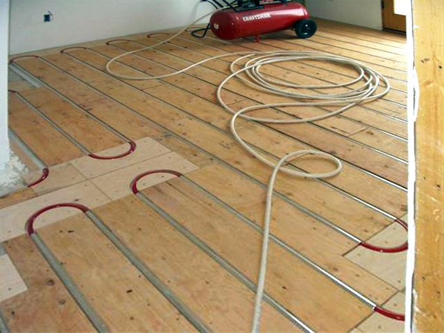 Thermofin U And Pex Tubing Installed With Plywood Sleepers For An