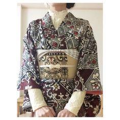 ゴシック調の着物とレースブラウスで洋服ミックスコーデ…
