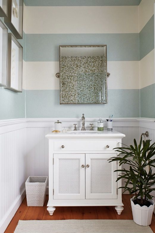 13 Gorgeous Decor Ideas For Your Thoroughly Non Tacky Beach House House Bathroom House Of Turquoise Bathroom Styling