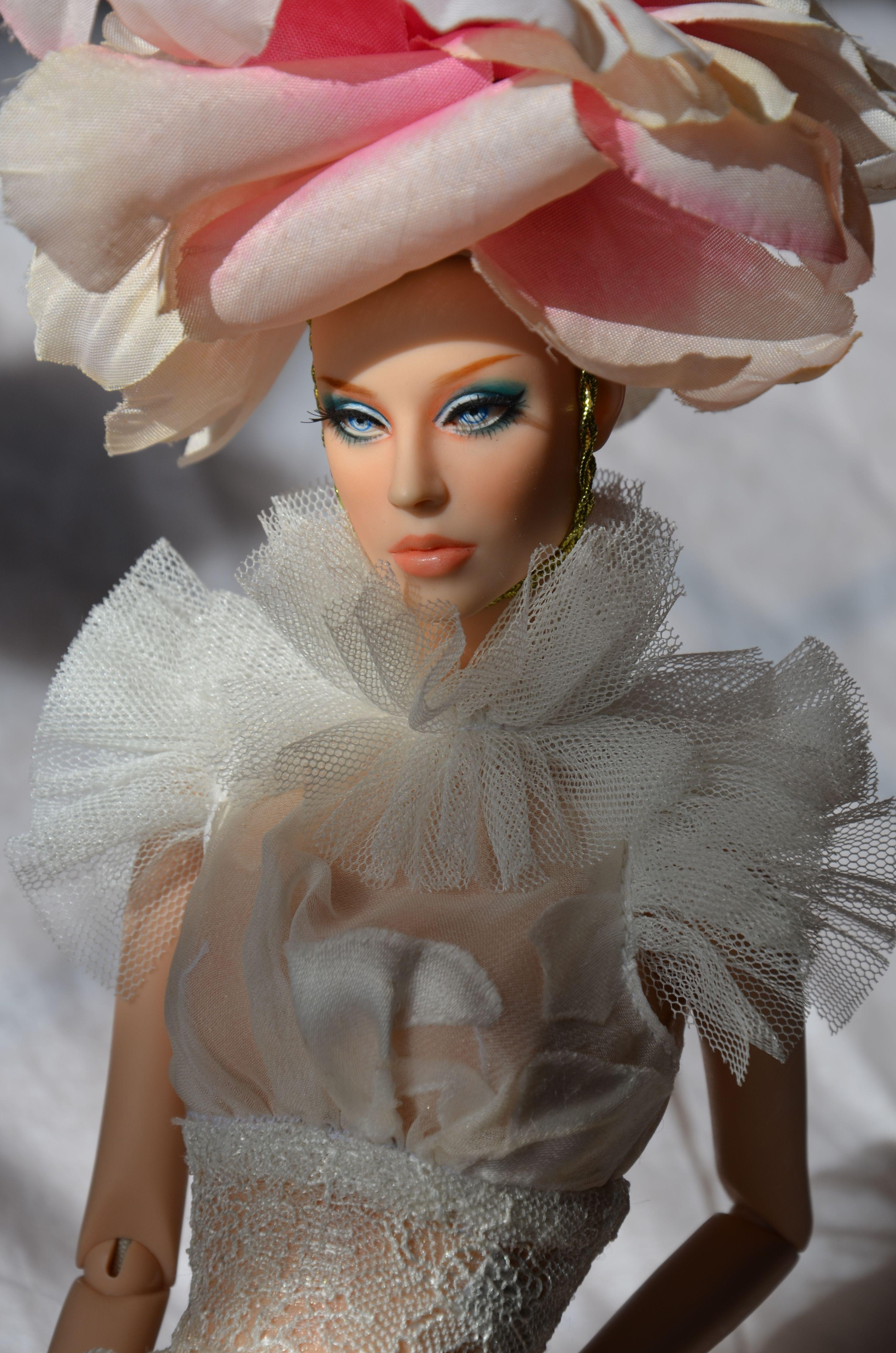 Denimish by Ficon Glamour dolls, Barbie hat, Fashion addict
