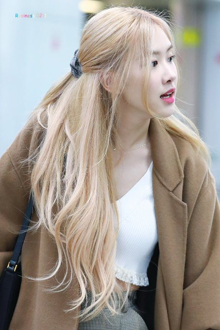 Tweets Que Le Gustaron A Felix Smilerswiftie5h Twitter Kpop Hair Color Blonde Hair Kpop Rose Hair Color