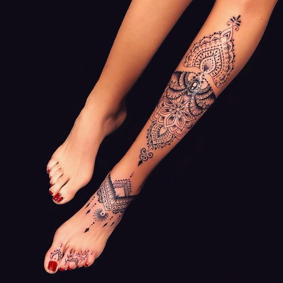 Bein tattoo frauen Ideen Tattoos