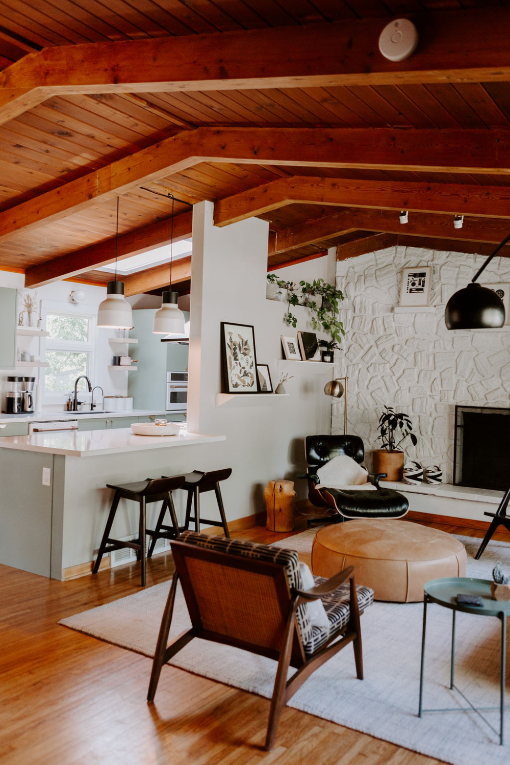 Photo of Take a Tour of the Midcentury Modern Home of Your Dreams