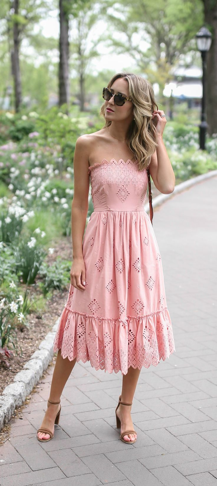 What To Wear To A Boho Garden Or Rustic Outdoor Wedding Pale Pink