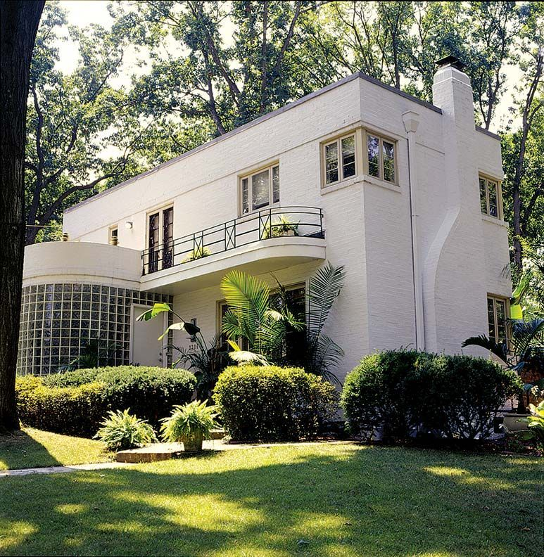 an art moderne restoration is part of Art deco home - An Art Moderne Restoration artDeco House
