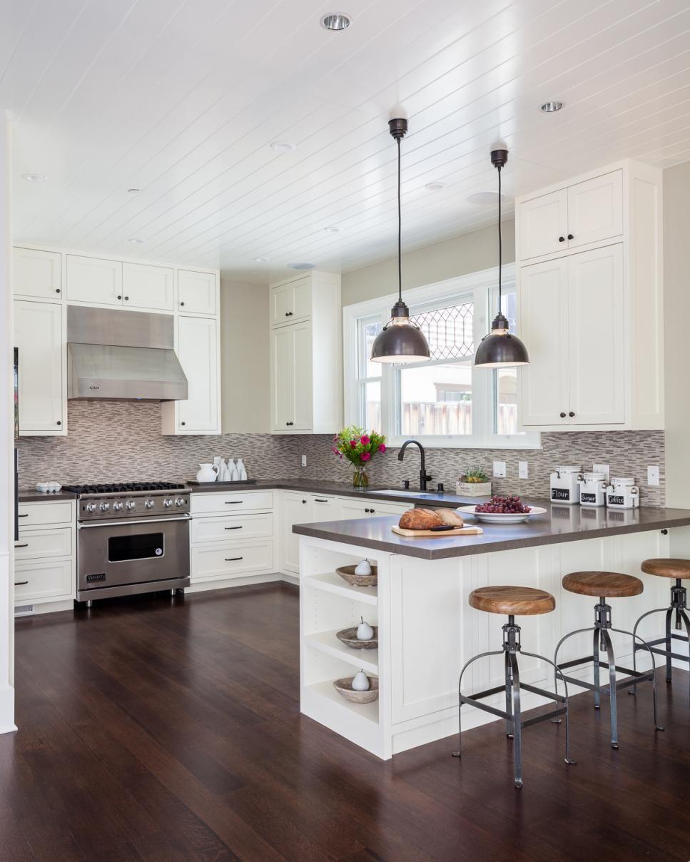 Kitchen Backsplash Neutral: A Tile Backsplash Gives Movement To The Traditional Feel
