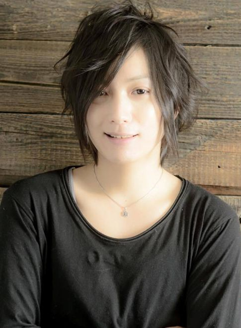 前髪長めの無造作ミディアム(髪型メンズ)