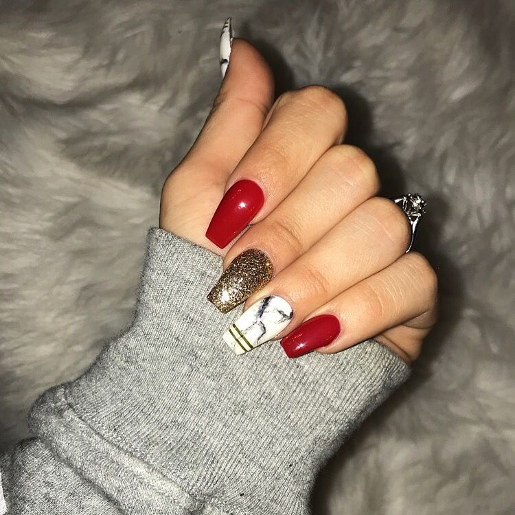 christmas nails red gold & marble