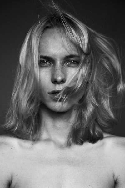 Kamil W by Krzysztof Wyzynski Editorial is Androgynous #topmensfashion #menstrends