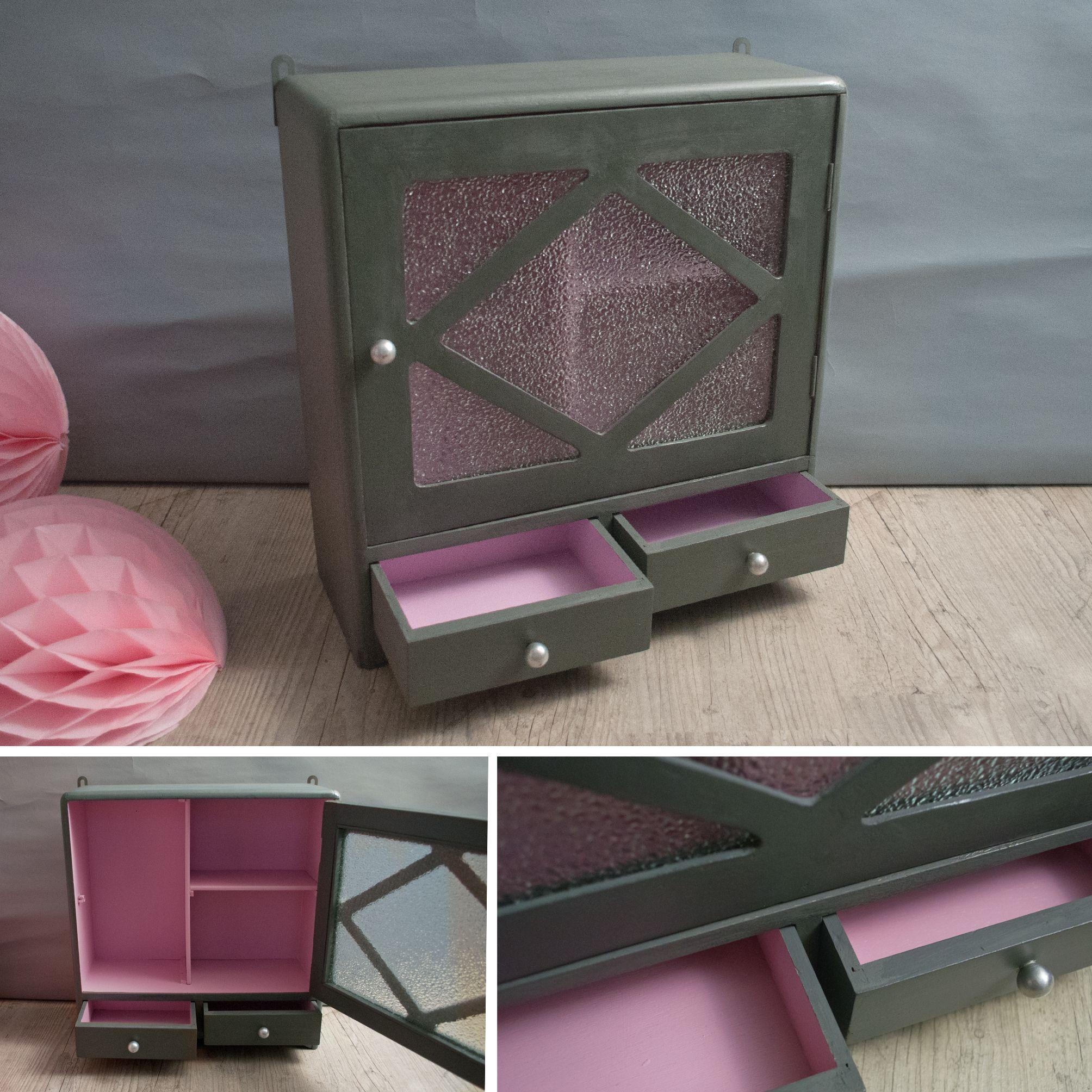 el onore pour ranger tous vos tr sors ancienne petite armoire pharmacie avec tiroirs. Black Bedroom Furniture Sets. Home Design Ideas