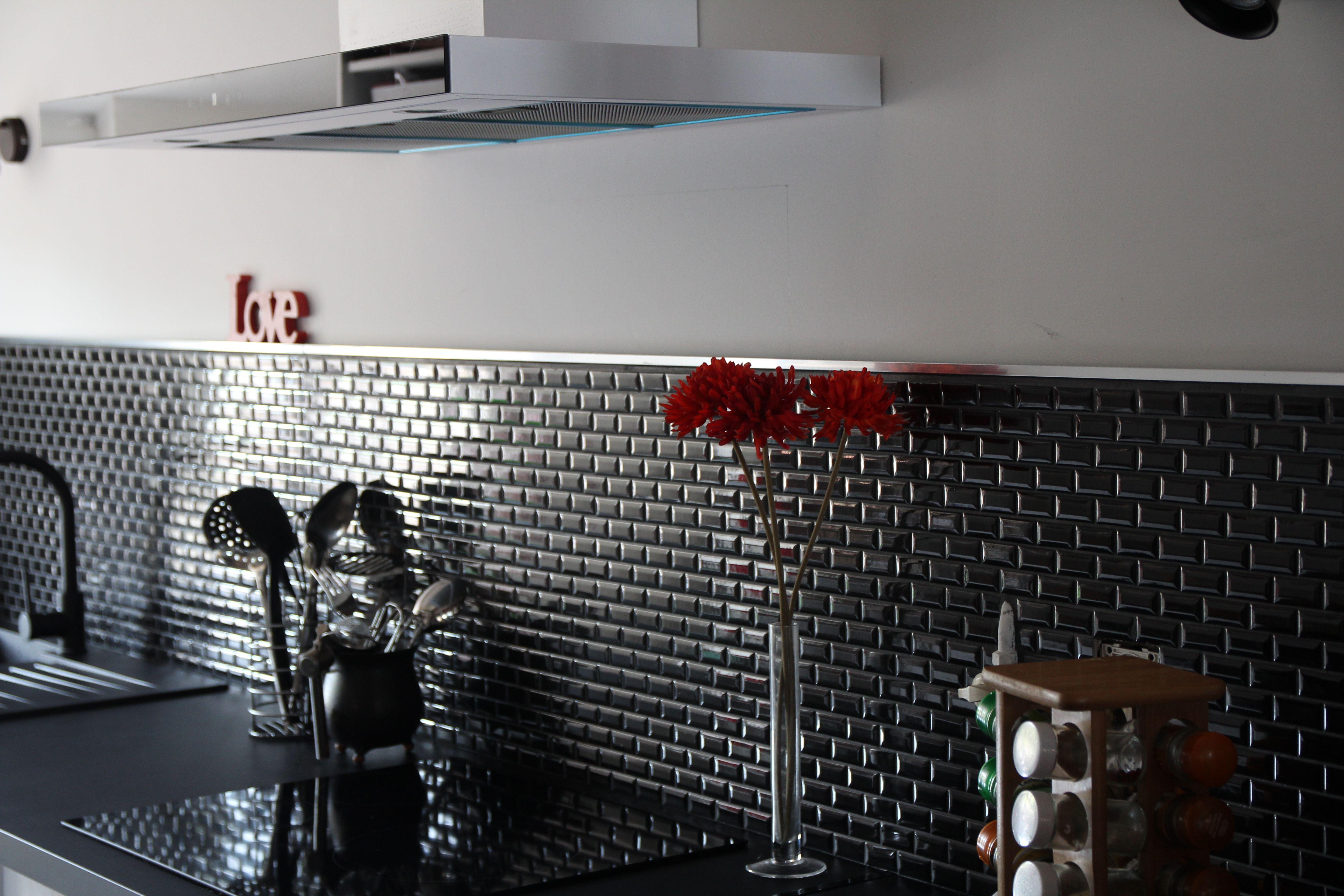 Mosaique Mini Metro Pour Une Ambiance Moderne Et Design Home Appliances Home Box Fan