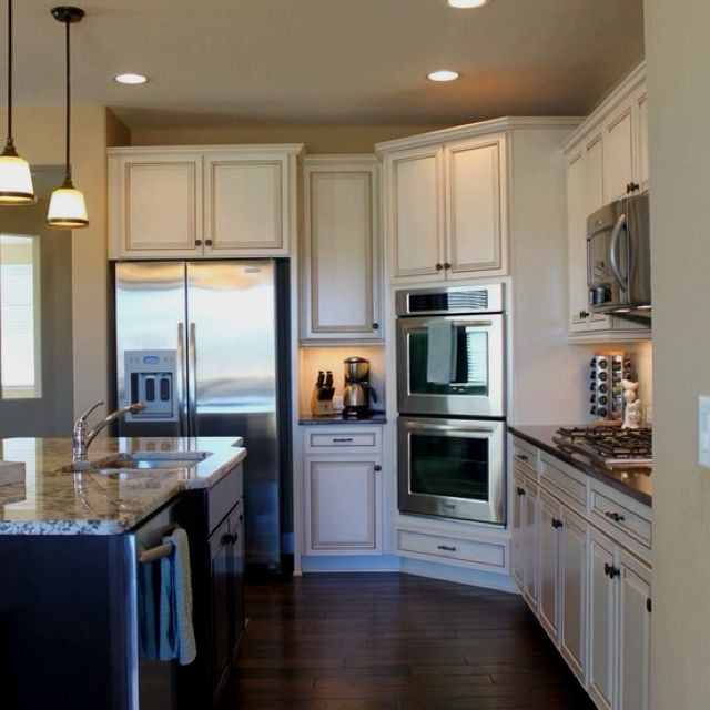 Pin by Sharon Judge on Kitchen   Off white kitchens ...
