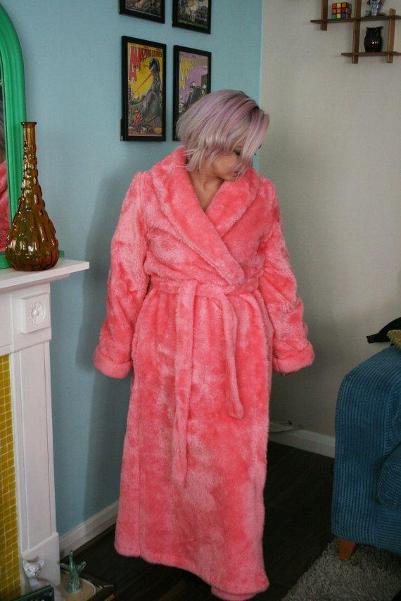 Vintage 70s FLAMINGO Pink Fluffy DRESSING GOWN - Lara Dee - Meduim ...