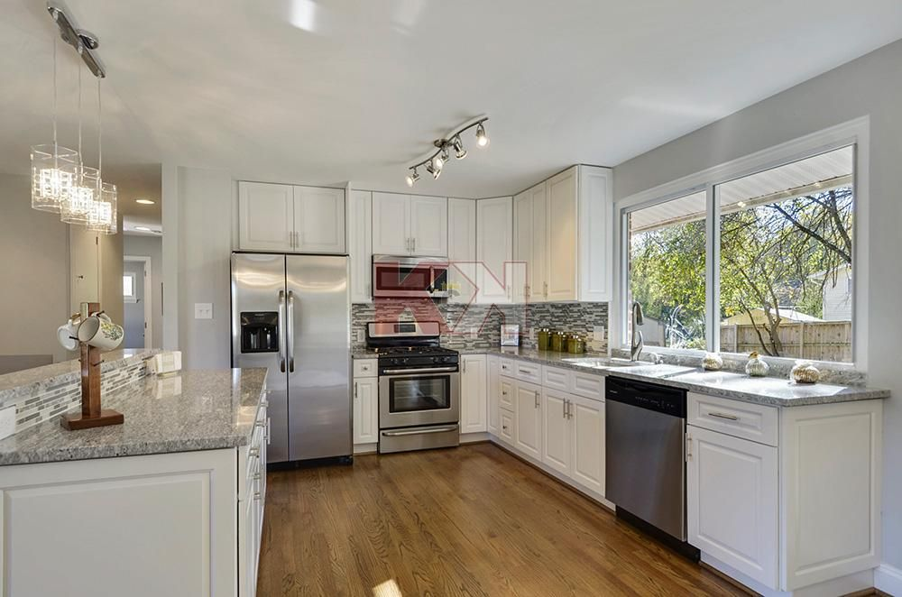 Best Gramercy White Cabinets By Kitchen Cabinet Kings Cheap 400 x 300