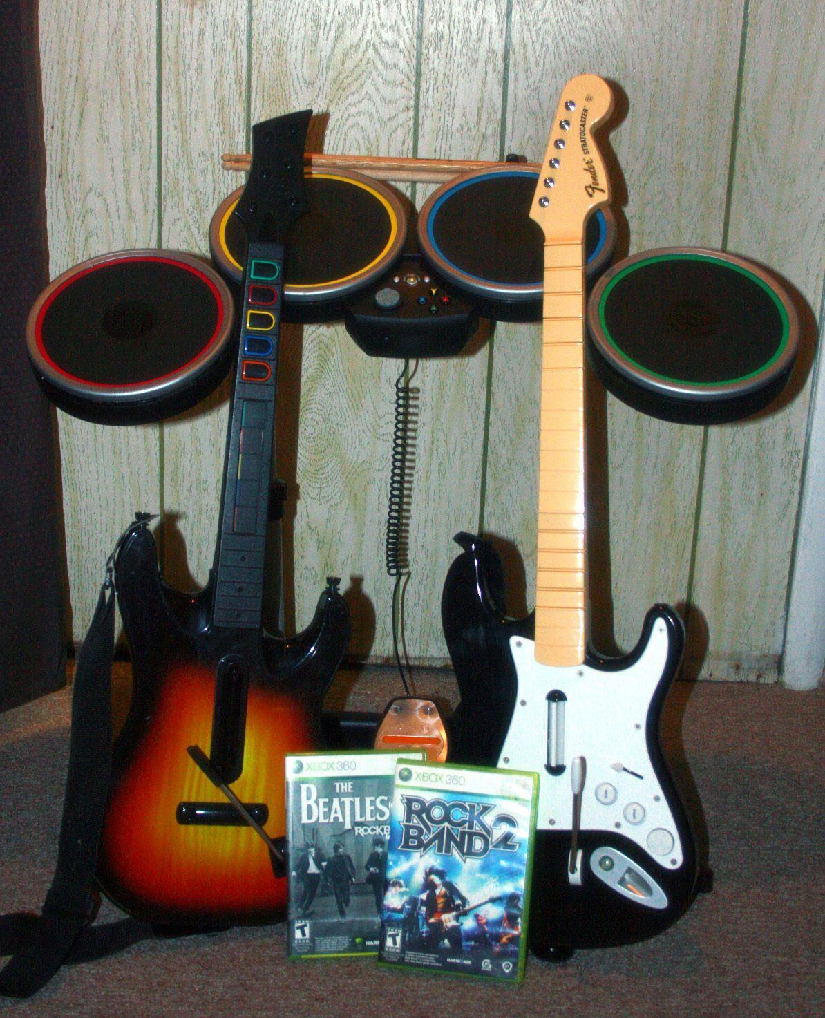 Xbox 360 Rockband 2 bundle: Wireless drums, 2 Guitars, Rock