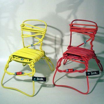 sillas hechas con mangueras