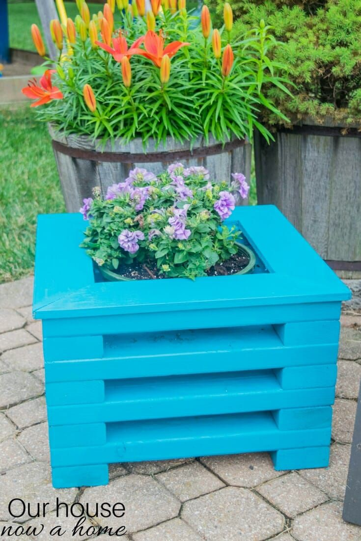 Easy To Make Diy 2X4 Wood Flower Planter With Images 400 x 300