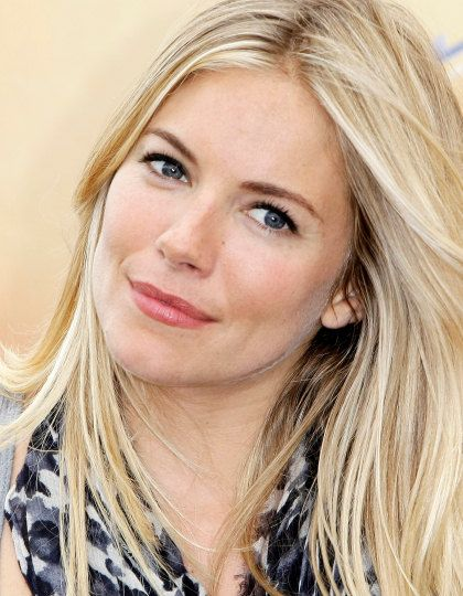 Champagne Blonde With Green Eyes Our Best Make Up Tips For