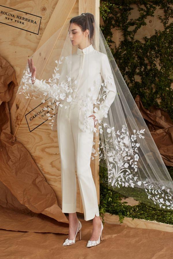 imagen 150 traje pantalón de novia confeccionado en crepe con blusa