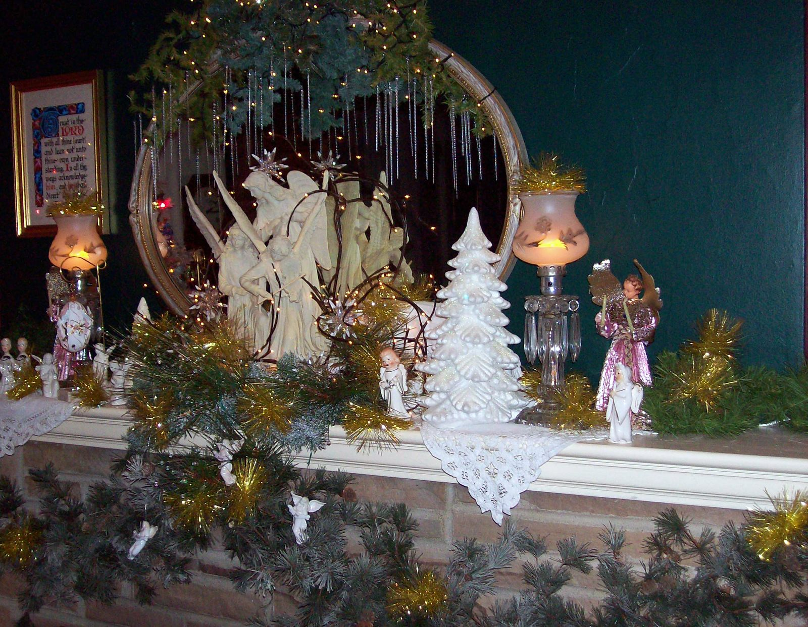 An Angelic Fireplace Mantel Decorated For Christmas #Christmas #Winfieldflorist