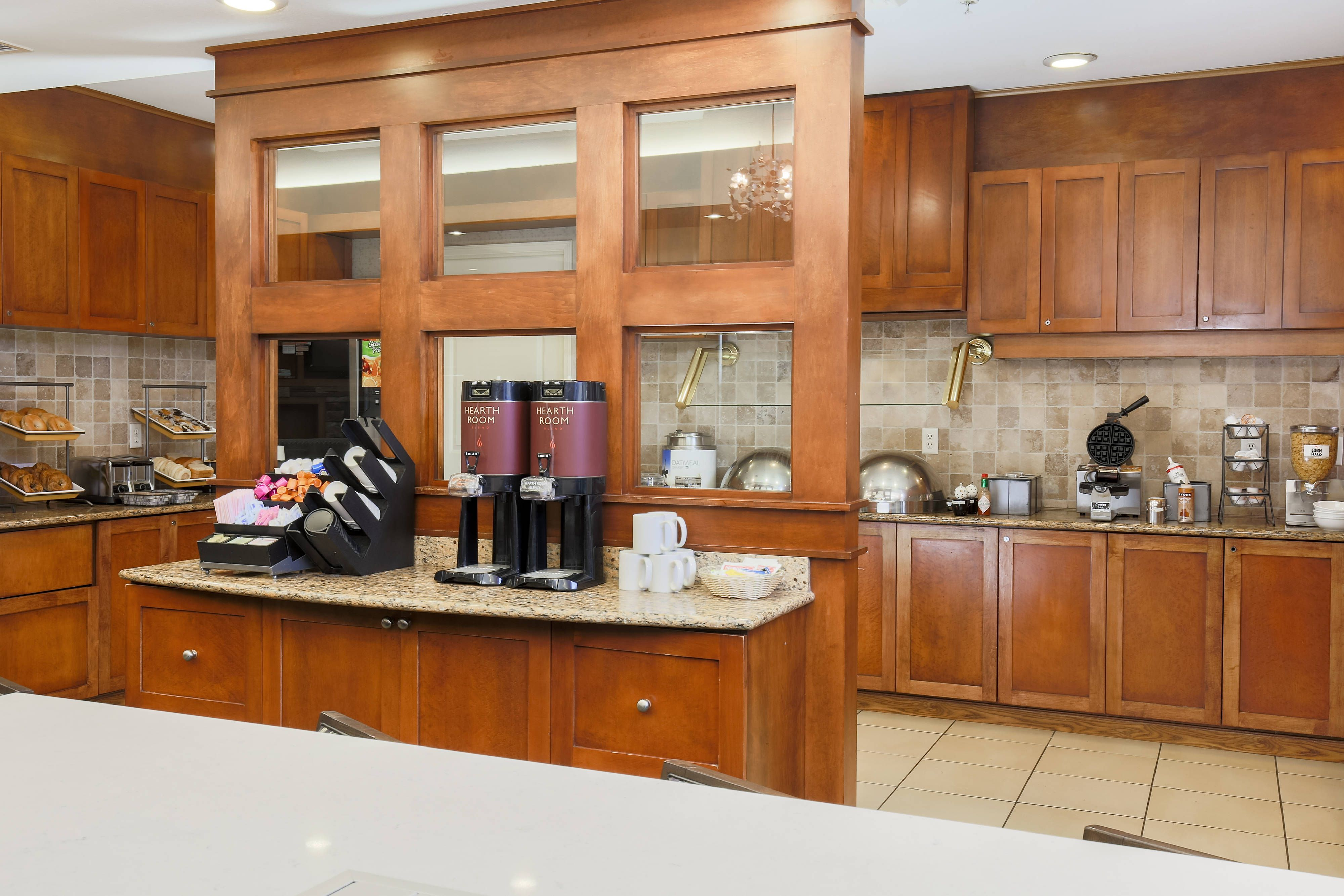 Residence Inn Chico Breakfast Buffet Suite Relax Beautiful Residences Kitchen Cabinets Inn