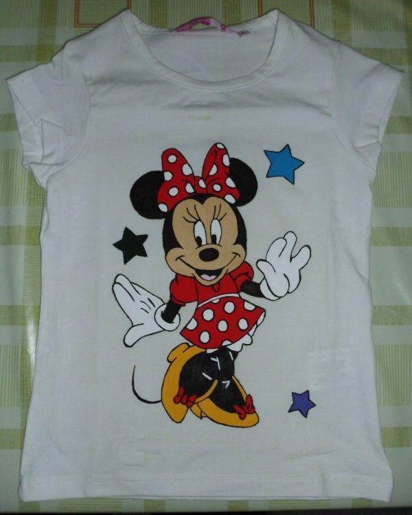 Camisetas pintadas manualidades diy manualidades - Pinturas para pintar camisetas ...