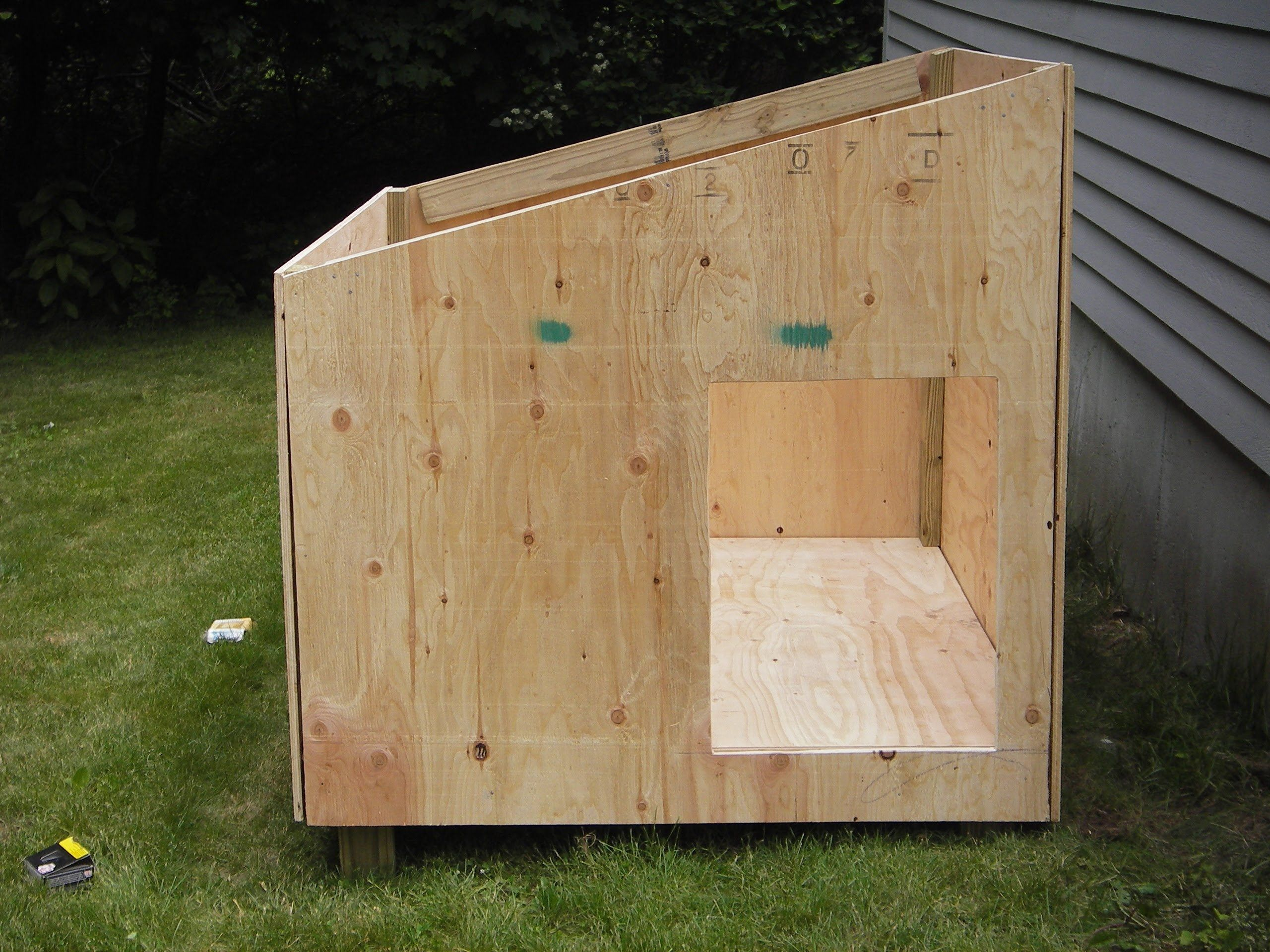 Easy diy dog house plans Easy dog house, Outdoor dog