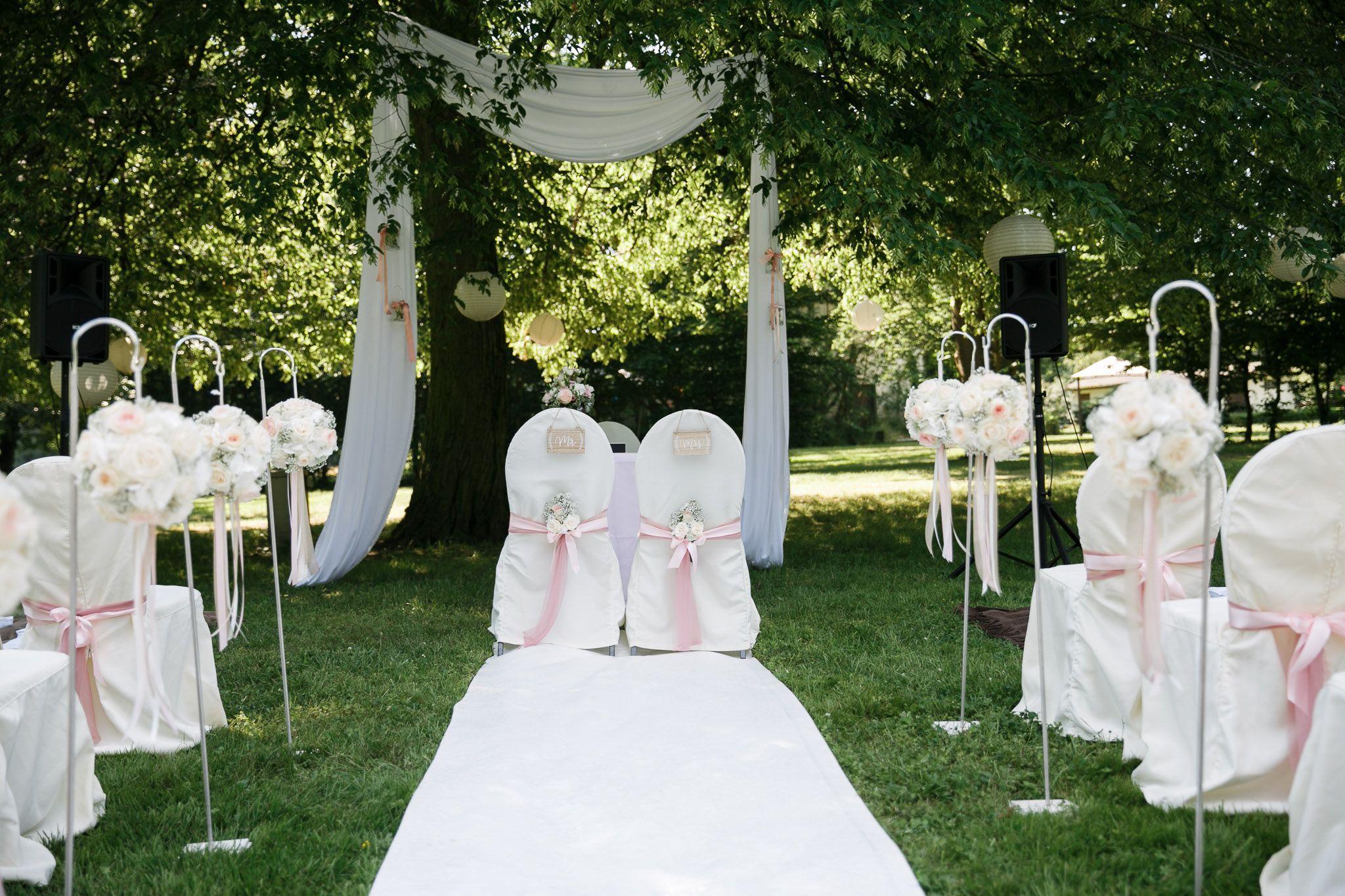 Wedding Ceremony Freie Trauung Im Schloss Foto Hochzeitslicht Berlin Hochzeitsplanung Hochzeit Trauung Im Freien
