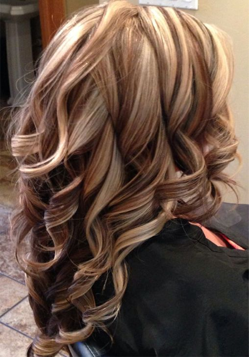 Pretty Bold Highlight Long Layered Hairstyles For Women Full Dose Hair Styles Brown Hair With Blonde Highlights Brown Blonde Hair