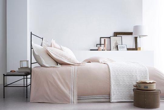 linge de lit pas cher jalla descamps luxe haut de. Black Bedroom Furniture Sets. Home Design Ideas