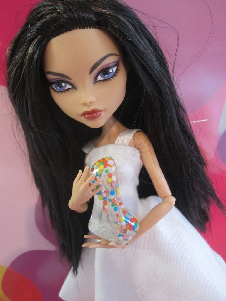 Raven is based off the character from Teen Titans. She might be my favorite  doll so far. Base: Dead Tired Cleo, repainted eyes, removed tinsel, removed  star ...