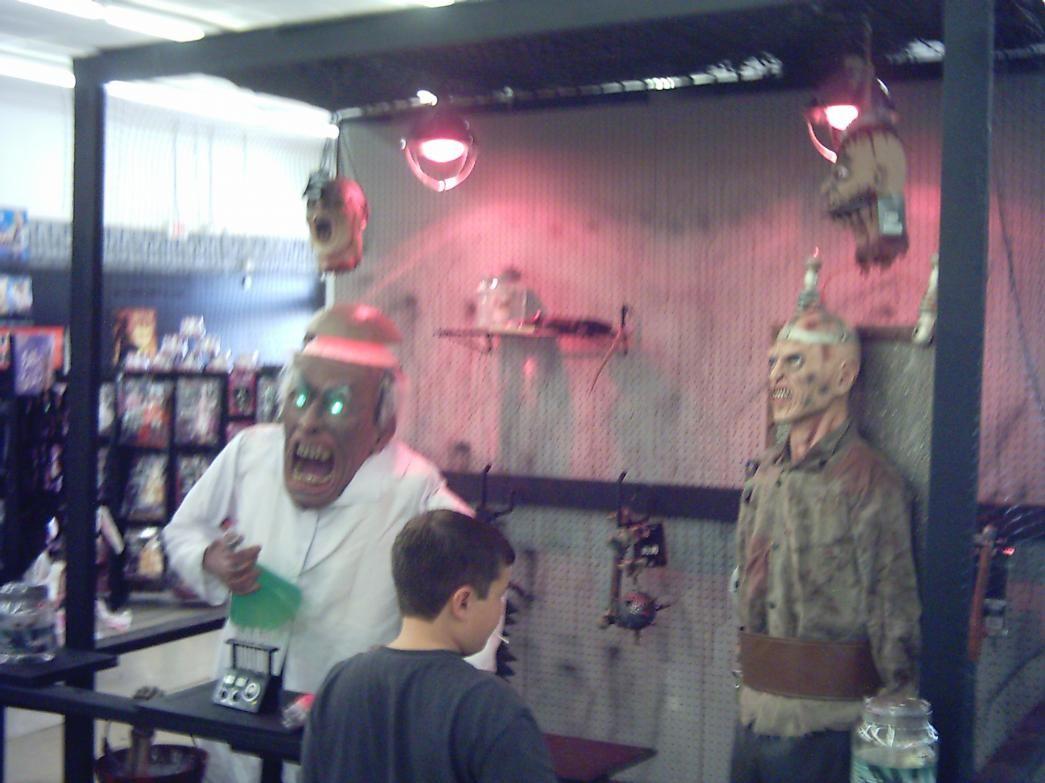 Spirit store display pics   Halloween: Scenes   Pinterest   Spirit ...