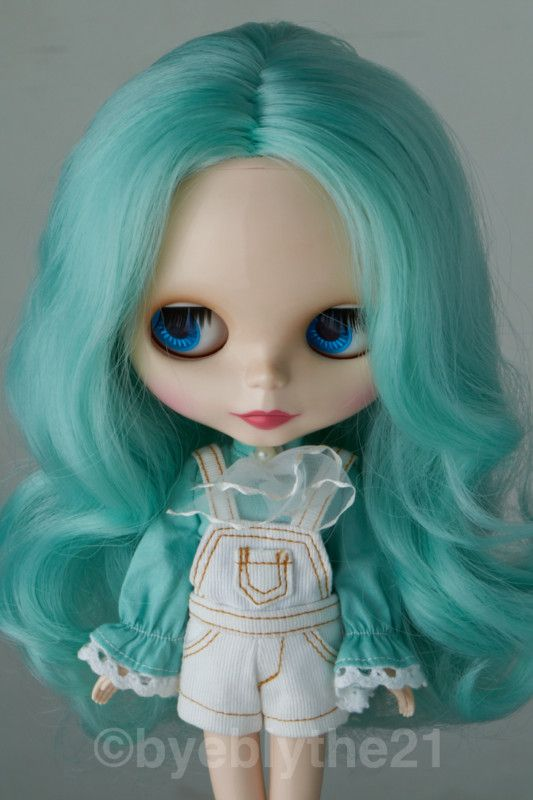 Teal haired Neo Blythe Doll