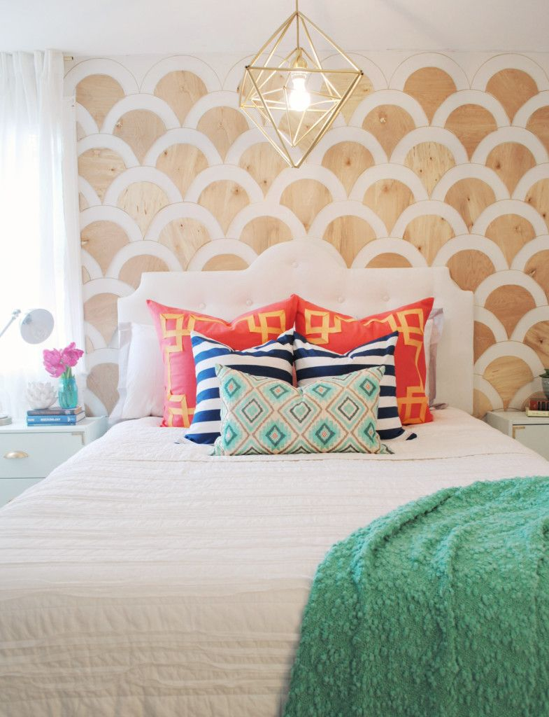 DIY Modern Tufted Headboard That Is Gorgeous!! This Headboard Is Beautiful  And Good For Any Bedroom! Click For Tutorial
